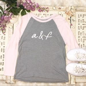 Abercrombie & Fitch grey & pink 3/4 sleeve top L